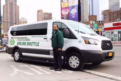Shuttle Manhattan to LGA Airport